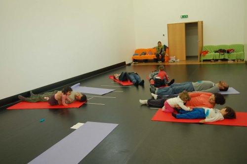 Yoga para bebes e crianças